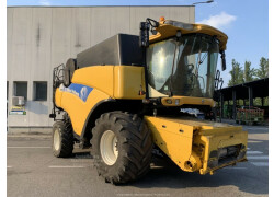 New Holland CR 9060 Usato