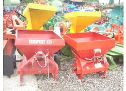 Molini usati e spandiconcime per trattori