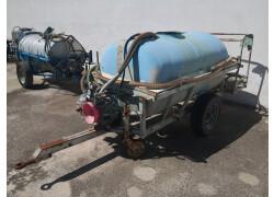 carrello pompa 1500lt Usato